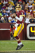 Washington Redskins quarterback Kirk Cousins (8) looks for a receiver in third quarter action against the New York Giants at FedEx Field in Landover, Maryland on Sunday, January 1, 2017.  The Giants won the game 19 - 10.<br /> Credit: Ron Sachs / CNP<br /> (RESTRICTION: NO New York or New Jersey Newspapers or newspapers within a 75 mile radius of New York City)