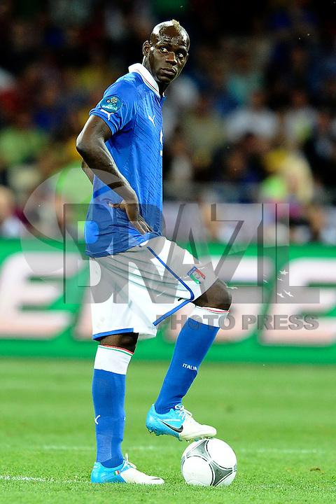 KIEV, UCRANIA, 01 JULHO 2012 - EURO2012 FINAL - ESPANHA X ITALIA - O jogador Mario Balotelli da  Italia durante a decisão da Euro 2012 contra a Espanha, em Kiev, Ucrânia, neste domingo (01).  (FOTO: PIXATHLON / BRAZIL PHOTO PRESS).