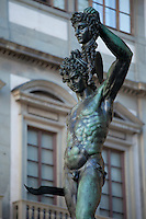 Cellini's statue of Perseus holding severed head of Medusa, in Piazza Signoria by the Palazzo Vecchia, Florence, Tuscany, Italy RESERVED USE - NOT FOR DOWNLOAD - FOR USE CONTACT TIM GRAHAM