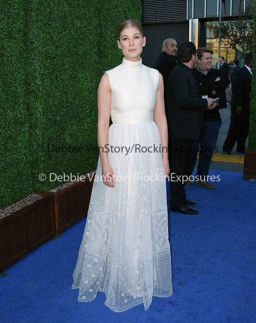 Rosamund Pike attends The 20th ANNUAL CRITICS' CHOICE AWARDS held at The Hollywood Palladium Theater  in Hollywood, California on January 15,2015                                                                               © 2015 Hollywood Press Agency