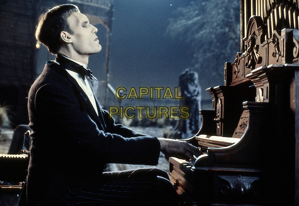Addams Family Values (1993)<br /> Carel Struycken<br /> *Filmstill - Editorial Use Only*<br /> CAP/KFS<br /> Image supplied by Capital Pictures