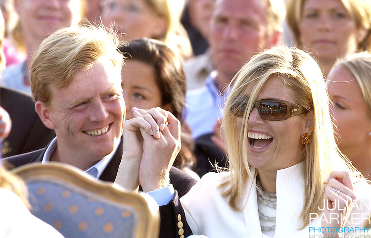 CONCERT IN BERGHOLM TO CELEBRATE CROWN PRINCESS VICTORIA.OF SWEDEN'S 25TH BIRTHDAY.  14/7/02 . PICTURE: UK PRESS  (ref 5105-40).CROWN PRINCE WILLEM ALEXANDER AND CROWN PRINCESS MAXIMA OF HOLLAND.