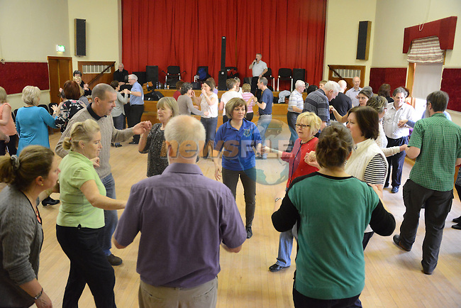Enjoying the set dancing at An Grianan. www.newsfile.ie