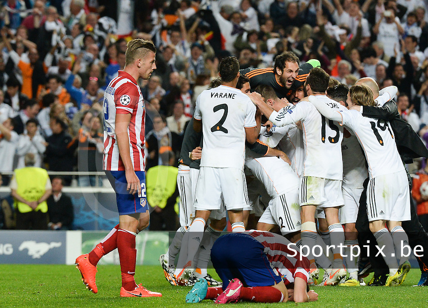 20140524 - LISBON , PORTUGAL : Atletico's Toby Alderweireld (left) pictured looking disappointed during soccer match between Real Madrid CF and Club Atletico de Madrid in the UEFA Champions League Final on Saturday 24 May 2014 in Estadio Da Luz in Lisbon .  PHOTO DAVID CATRY