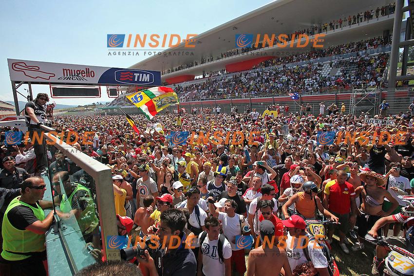 .03-07-2011 Barberino di Mugello (ITA).Motogp - Motogp.in the picture: supporters of Mugello