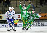 Stockholm 2014-12-02 Bandy Elitserien Hammarby IF - IFK V&auml;nersborg :  <br /> Hammarbys Ulf Einarsson firar sitt 1-0 m&aring;l med Adam Gilljam medan V&auml;nersborgs Martin R&ouml;ing deppar under matchen mellan Hammarby IF och IFK V&auml;nersborg <br /> (Foto: Kenta J&ouml;nsson) Nyckelord:  Elitserien Bandy Zinkensdamms IP Zinkensdamm Zinken Hammarby Bajen HIF IFK V&auml;nersborg jubel gl&auml;dje lycka glad happy depp besviken besvikelse sorg ledsen deppig nedst&auml;md uppgiven sad disappointment disappointed dejected
