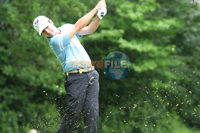 Felipe Aguilar tees off on the par 3 2nd hole during the 3rd round of the 2008 BMW PGA Championship at Wentworth Club, Surrey, England 24th May 2008 (Photo by Eoin Clarke/GOLFFILE)