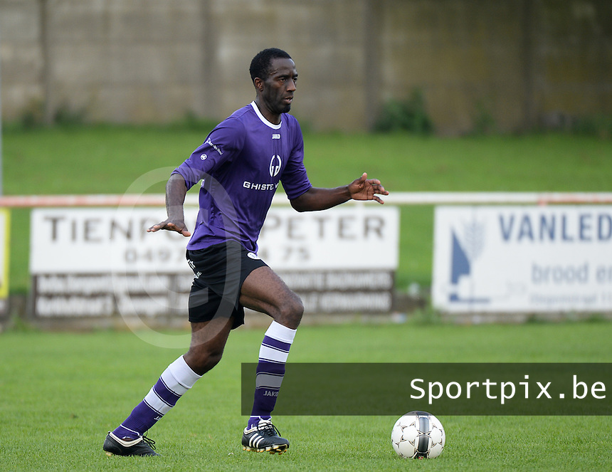 FC Helkijn : Jose Aime Tchagam Weubaguela <br /> foto VDB / BART VANDENBROUCKE
