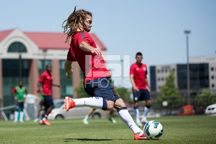 Salt Lake City, UT - Sunday, June 16, 2013: USMNT training for Honduras WC qualifying match.