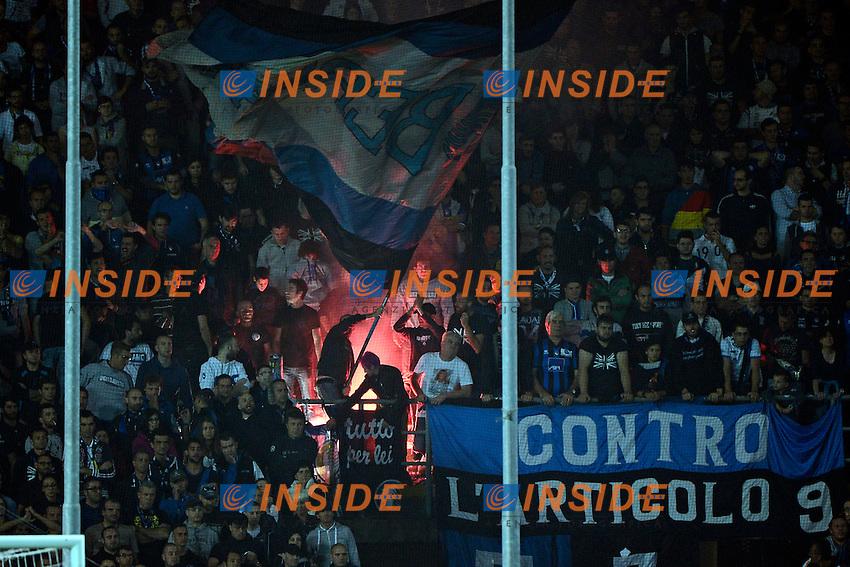tifosi Atalanta bandiera e fumogeno<br /> Bergamo 27-09-2014 Stadio Atleti Azzurri d'Italia - Football 2014/2015 Serie A. Atalanta - Juventus Foto Giuseppe Celeste / Insidefoto