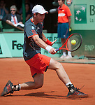 Andy Murray (GBR) defeats Jarko Nieminen (FIN) 1-6, 6-4, 6-1, 6-2.