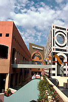 Jon Jerde: Horton Plaza. Another view. (Photo '85)