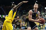 07.01.2018, EWE Arena, Oldenburg, GER, BBL, Eisb&auml;ren EWE Baskets Oldenburg vs WALTER Tigers T&uuml;bingen, im Bild<br /> <br /> Reggie UPSHAW  (T&uuml;bingen #30 )<br /> Armani MOORE (EWE Baskets Oldenburg #4)<br /> Foto &copy; nordphoto / Rojahn