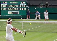 24-06-10, Tennis, England, Wimbledon, Robin Haase  maakt het Rafael Nadal uiterst moeilijk