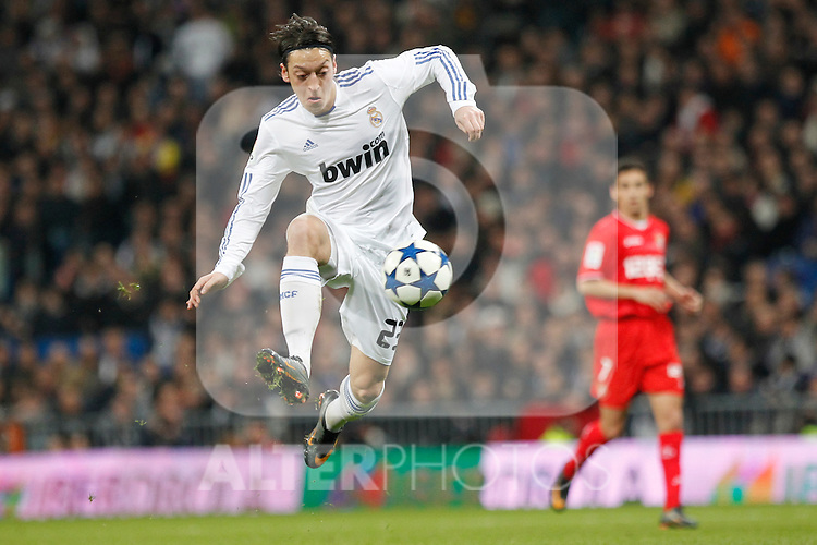 Real Madrid's Mesut Ozil during spanish King's Cup semifinal match on February 2nd, 2011...Photo: Cid-Fuentes - Cebolla / ALFAQUI