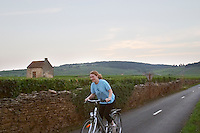 vineyard hut cyclist beaune cote de beaune burgundy france