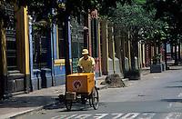 Amérique/Amérique du Sud/Pérou/Lima : Quartier de Barranco - Livreur dans les rues