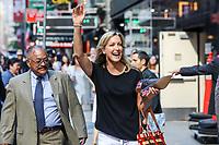 NEW YORK, EUA, 22.06.2017 - LARA-SPENCER - A apresentadora Lara Spencer é vista chegando a um programa de televisão em New York na manhã desta quinta-feira, 22. (Foto: Vanessa Carvalho/Brazil Photo Press)