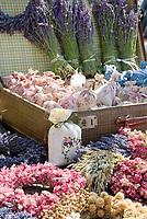 HUN, Ungarn, Budapest, Duftsaeckchen mit Lavendel werden auf dem Stadtfest zum Verkauf angeboten   HUN, Hungary, Budapest, lavender scent bags for sale at fair