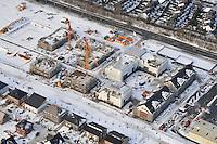Winterbaustelle: EUROPA, DEUTSCHLAND, SCHLESWIG- HOLSTEIN, GLINDE, (GERMANY), 02.01.2011: Depot Gelaende in Glinde, Bundeswehr, Umwandlung von Kaserne. Wohnraum, Baugrund, Flaeche. Bebaung, Bebauungsplan, Umwitmung,  Gebaeude, freie Flaeche, Freiflaeche, Platz , Raum, Rueckbau, An der Alten Wache, B Plan 40 a,  Investition, Luftbild, Luftansicht, Luftaufnahme, bau, Neubau, Einzelhaus, Makler, Verkauf, Grundstueck, B- Plan, Dorf in der Stadt, rund, Kreis, winter, Schnee, am, Ansicht, Ansichten, Architektur, aussen, Aussenaufnahme, auf, aussen, Aussenaufnahme, Aussenaufnahmen, Bauwerk, Bauwerke, bei, Blick, BRD, Bundesrepublik, Cities, City, den, deutsch, deutsche, deutscher, deutsches, Deutschland, draussen, Draufsicht, Draufsichten, draussen, Europa, europaeisch, europaeische, europaeischer, europaeisches, Gebaeude, Gegend, Haeuser, Haus, Luftaufnahme, Luftaufnahmen, luftbild, Luftbilder, Luftfoto, Luftfotos, Luftphoto, Luftphotos, menschenleer, niemand, oben, Schlechtwettergeld, Ausfall Zeit in der Bauindustrie, Schnee, schneebedeckt, schneebedeckte, schneebedeckter, schneebedecktes, Staedte, Stadt, Stadtansicht, Stadtansichten, Stadtteil, Stadtteile, Stadtviertel, Staedte, Tag, Tage, Tageslicht, tagsueber, verschneit, verschneite, verschneiter, verschneites, Viertel, Vogelperspektive, Vogelperspektiven, von, Winter, winterlich, winterliche, winterlicher, winterliches .. c o p y r i g h t : A U F W I N D - L U F T B I L D E R . de.G e r t r u d - B a e u m e r - S t i e g 1 0 2, 2 1 0 3 5 H a m b u r g , G e r m a n y P h o n e + 4 9 (0) 1 7 1 - 6 8 6 6 0 6 9 E m a i l H w e i 1 @ a o l . c o m w w w . a u f w i n d - l u f t b i l d e r . d e.K o n t o : P o s t b a n k H a m b u r g .B l z : 2 0 0 1 0 0 2 0  K o n t o : 5 8 3 6 5 7 2 0 9.V e r o e f f e n t l i c h u n g n u r m i t H o n o r a r n a c h M F M, N a m e n s n e n n u n g u n d B e l e g e x e m p l a r !.