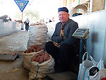 Potatoes seller, Siyoh Bazar, Samarkand