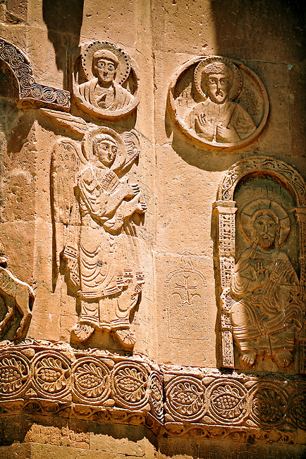 Bas Releif sculptures with scenes from the Bible on the outside of the 10th century Armenian Orthodox Cathedral of the Holy Cross on Akdamar Island, Lake Van Turkey 43