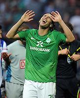 FUSSBALL   1. BUNDESLIGA   SAISON 2011/2012    7. SPIELTAG SV Werder Bremen - Hertha BSC Berlin                   25.09.2011 Claudio PIZARRO (Bremen) aergert sich ueber eine Schiedsrichterentscheidung