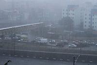 SÃO PAULO 08 DE MARÇO DE 2013 - CHUVA -  Chuva intensa sobre o bairro do Ipiranga, na zona sul da capital de Sao Paulo, surpreende motoristas nessa sexta-feira, 08. FOTO: MICHELLE SPREA/BRAZIL PHTO PRESS