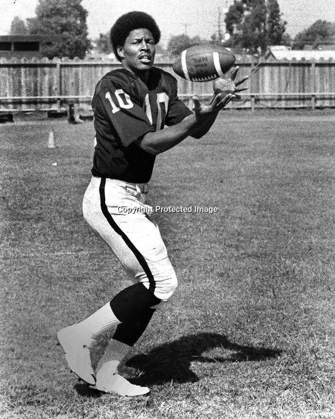 Oakland Raiders Elridge Dickey,(1970 photo/Ron Riesterer)