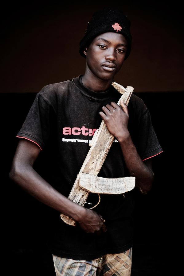Jimmy ive. Ex-enfant soldat. Bukavu, RDC, juillet 2013.