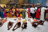 Nederland Den Helder -  2019. Jaarlijkse tempelfeest bij de Hindoe tempel in Den Helder. Vereniging Sri Varatharaja Selvavinayagar voltooide in 2003 het gebouw dat wordt gebruikt voor het bevorderen van kunst en cultuur. Een ander deel wordt gebruikt voor het praktiseren van religieuze waarden. Het hoogtepunt van de feestperiode is het voorttrekken van de wagen ( chithira theer of ratham ) . Rituelen in de tempel.   Foto mag niet in negatieve / schadelijke context gepubliceerd worden.  Foto Berlinda van Dam / Hollandse Hoogte