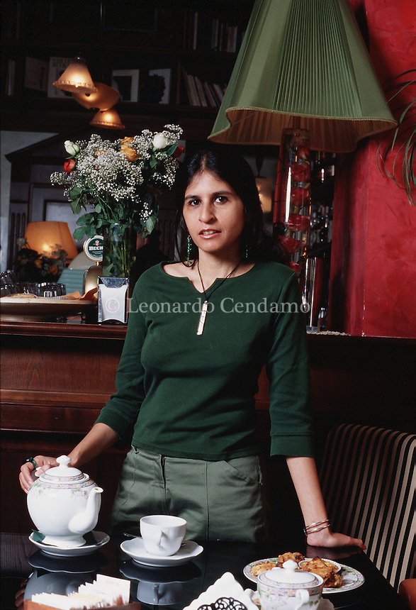 2003: Uzma Aslam Khan, pakistan writer  © Leonardo Cendamo