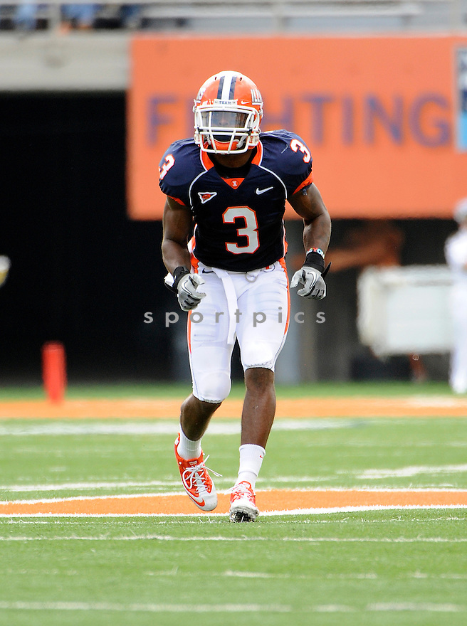 TAVON WILSON, of Illinois, in action during Illinois game against South Dakota State on September 10, 2011 at Memorial Stadium in Champaign, IL. Illinois beat South Dakota 56-3.