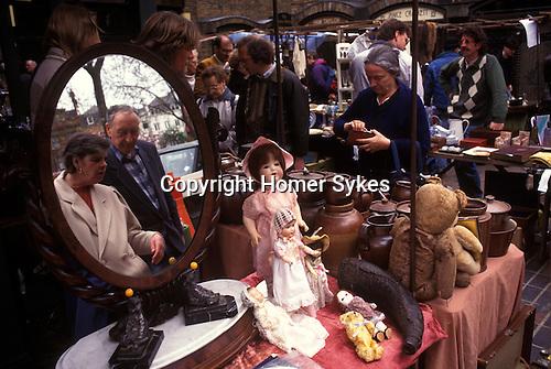 Portobello road street market, Notting Hill London UK