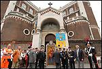 Festeggiamenti 2009 per la Madonna di Ripalta nel quartiere di Barriera di Milano. La processione attraverso il quartiere parte dalla Chiesa Regina della Pace in corso Giulio Cesare
