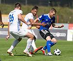 Saarbr&uuml;ckens Marcel Carl  (r.) und Pirmasens Salif Ciss&eacute; (M) und Felix B&uuml;rger  beim Spiel in der Regionalliga Suedwest, 1. FC Saarbruecken - FK Pirmasens.<br /> <br /> Foto &copy; PIX-Sportfotos *** Foto ist honorarpflichtig! *** Auf Anfrage in hoeherer Qualitaet/Aufloesung. Belegexemplar erbeten. Veroeffentlichung ausschliesslich fuer journalistisch-publizistische Zwecke. For editorial use only.