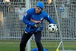 Hoffenheim 03.01.2009, 1.Fu&szlig;ball Bundesliga, Trainingsauftakt bei 1899 TSG Hoffenheim, Hoffenheims Timo Hildebrand beim Aufw&auml;rmen mit dem Ball<br /> <br /> Foto &copy; Rhein-Neckar-Picture *** Foto ist honorarpflichtig! *** Auf Anfrage in h&ouml;herer Qualit&auml;t/Aufl&ouml;sung. Belegexemplar erbeten.