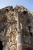 Palm tree column, Charity hallway, Nativity façade, La Sagrada Familia, Roman Catholic basilica, Barcelona, Catalonia, Spain, built by Antoni Gaudí (Reus 1852 ? Barcelona 1926) from 1883 to his death. Still incomplete. Picture by Manuel Cohen