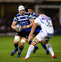 Dave Attwood of Bath Rugby faces off against Sam Skinner of Exeter Chiefs. Gallagher Premiership match, between Bath Rugby and Exeter Chiefs on October 5, 2018 at the Recreation Ground in Bath, England. Photo by: Patrick Khachfe / Onside Images