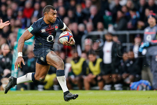 19.11.2016. Twickenham, London, England. Autumn International Rugby. England versus Fiji.  Semesa Rokoduguni of England on the ball.   Final score: England 58-15 Fiji.