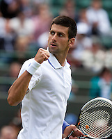 23-06-11, Tennis, England, Wimbledon, Novak Djokovic  plaatst zich voor de derde ronde
