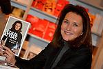 """©www.agencepeps.be/ F.Andrieu - Belgique -Bruxelles - 131207 - Cecilia Attias était présente à Bruxelles à la librairie Filigrannes pour la présentation de son livre """"Une envie de vérité"""""""