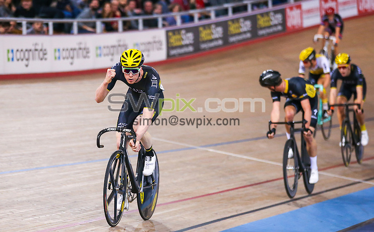 Picture by Alex Whitehead/SWpix.com - 02/12/2016 - Track Cycling - Revolution Champions League - Lee Valley Velopark, London, England - JLT Condor's Ed Clancy celebrates winning the Men's Scratch race.
