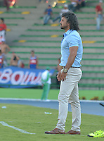 ARMENIA - COLOMBIA - 29-08-2015: Leonel Alvarez técnico de Independiente Medellin durante partido con Atletico Huila por la fecha 9 de la Liga Aguila II 2015 jugado en el estadio Centenario de Armenia. / Leonel Alvarez coach of  Independiente Medellin during a match with Atletico Huila for the ninth date of the Liga Aguila II 2015 played at Centenario stadium in Armenia  city. Photo: VizzorImage / Inti