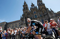 Christopher Froome passes by the front of the Obradoiro of the Cathedral of Santiago de Compostela before the stage of La Vuelta 2012 between Santiago de Compostela and Ferrol.August 31,2012. (ALTERPHOTOS/Acero)