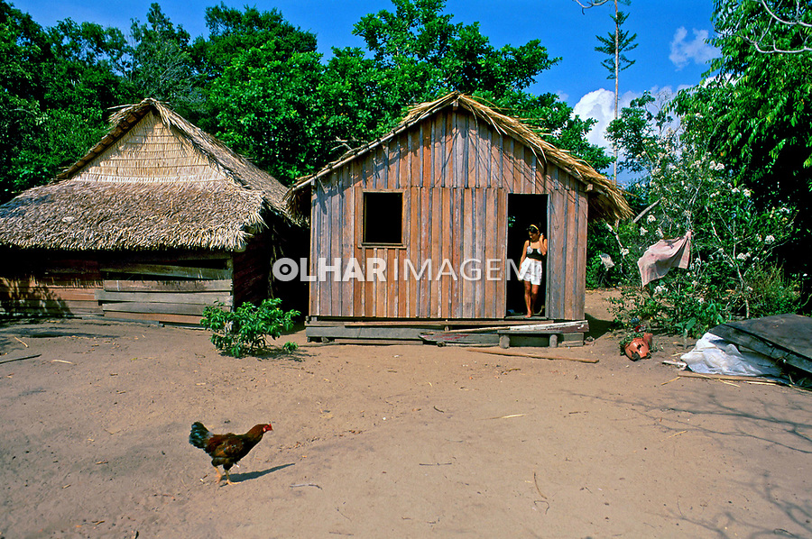 Comunidade ribeirinha do rio Arapiuns. Pará. 1998. Foto de Mônica Vendramini.