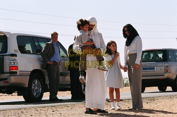 MATT DAMON & ALEXANDER SIDDIG.in Syriana.*Editorial Use Only*.www.capitalpictures.com.sales@capitalpictures.com.Supplied by Capital Pictures.