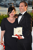 Joaquin Phoenix &amp; Lynne Ramsay at the Palme d'Or Awards photocall for the 70th Festival de Cannes, Cannes, France. 28 May 2017<br /> Picture: Paul Smith/Featureflash/SilverHub 0208 004 5359 sales@silverhubmedia.com