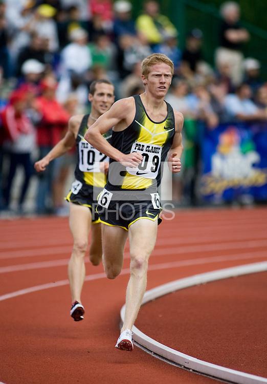 EUGENE, OR--Matt Tegenkamp competes in the mens 2 mile during the Steve Prefontaine Classic, Hayward Field, Eugene, OR. SUNDAY, JUNE 10, 2007. PHOTO © 2007 DON FERIA