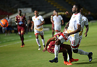IBAGUÉ -COLOMBIA, 11-05-2017. John Valencia de Rionegro en acción durante el encuentro entre Deportes Tolima y Rionegro Aguilas por la fecha 17 de la Liga Águila I 2017 jugado en el estadio Manuel Murillo Toro de Ibagué. / John Valencia of Rionegro in action during the match between Deportes Tolima and Rionegro Aguilas for date 17 of the Aguila League I 2017 played at Manuel Murillo Toro stadium in Ibague city. Photo: VizzorImage / Juan Carlos Escobar / Cont